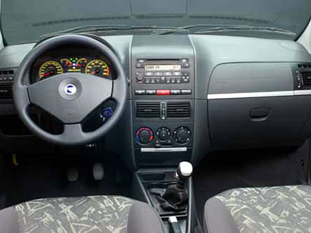 Carros y clasicos fiat palio for Fiat idea adventure 2007 precio